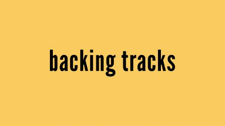 "fundo amarelo escrito ""backing tracks"""